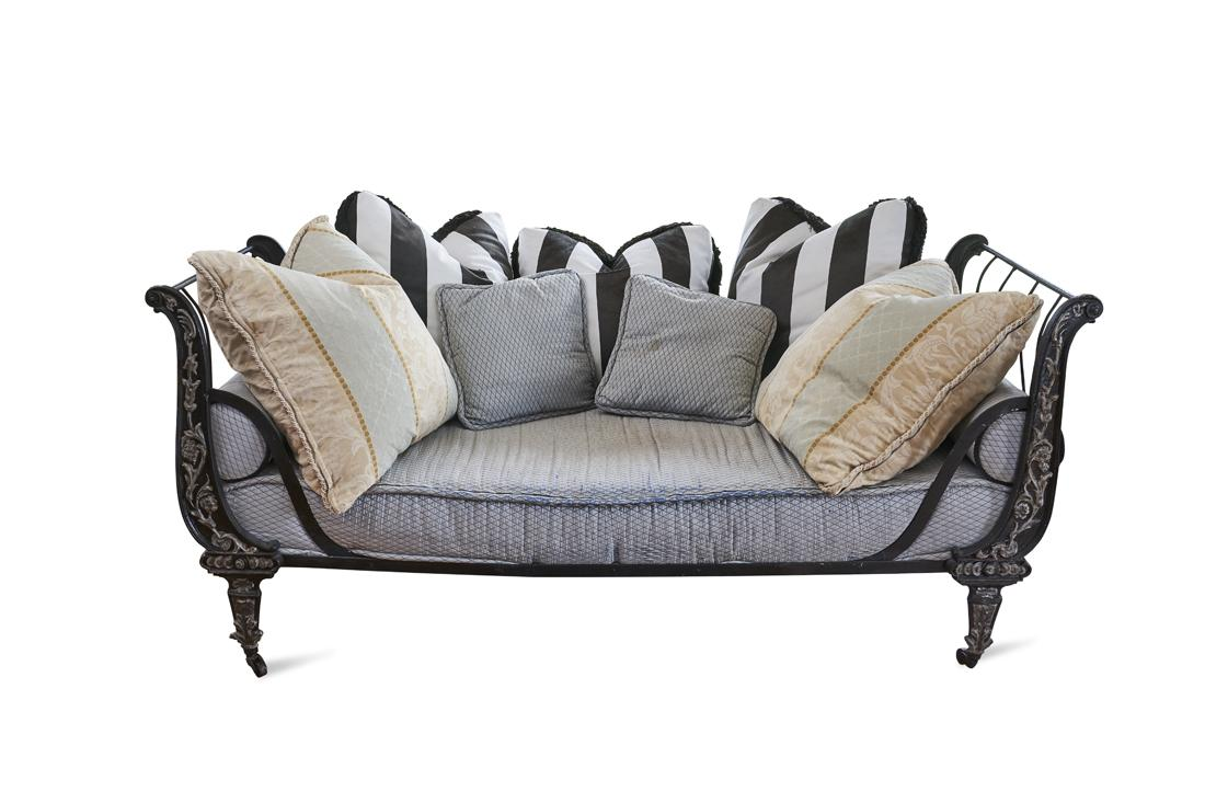 Picture of: Iron And Painted Daybed Price Estimate 800 1500